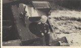 Na vraku obrněného vozu u lesa Mokeř